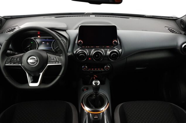 Nissan Juke - KY0 - srebrny metalizowany - Nissan Odyssey