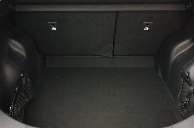 Nissan Leaf - Z11 - czarny metalizowany - Nissan Odyssey