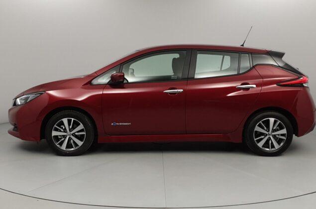 Nissan Leaf - NAJ - czerwony metalizowany - Nissan Odyssey