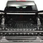 Nissan Navara - GN0 - czarny metalizowany -       Nissan Navara czarny przestrzeń ładunkowa Nissan Odyssey -        Nissan Odyssey