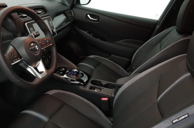 Nissan Leaf - QAB - biały perłowy - Nissan Odyssey