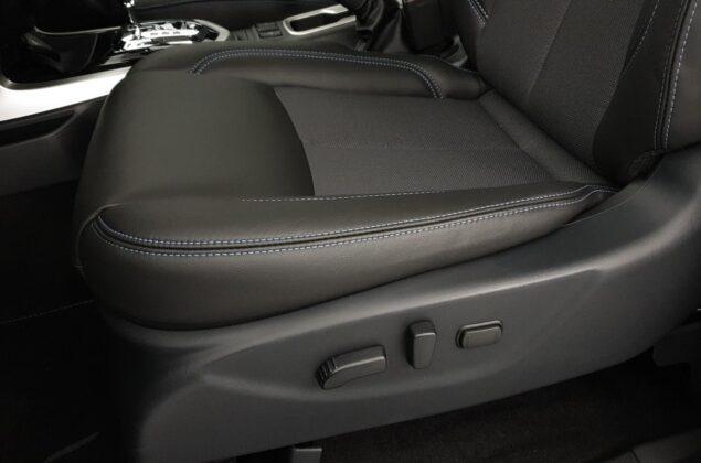 Nissan Navara - K51 - szary metalizowany - Nissan Odyssey