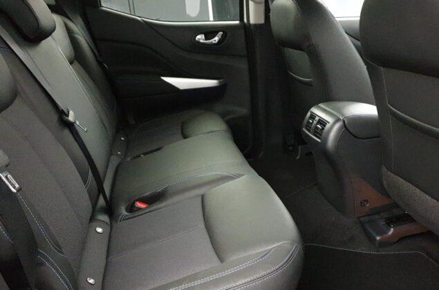 Nissan Navara - QAB - biały perłowy - Nissan Odyssey