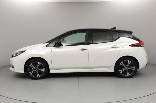 Nissan Leaf - XDF - biała perła + czarny dach - Nissan Odyssey